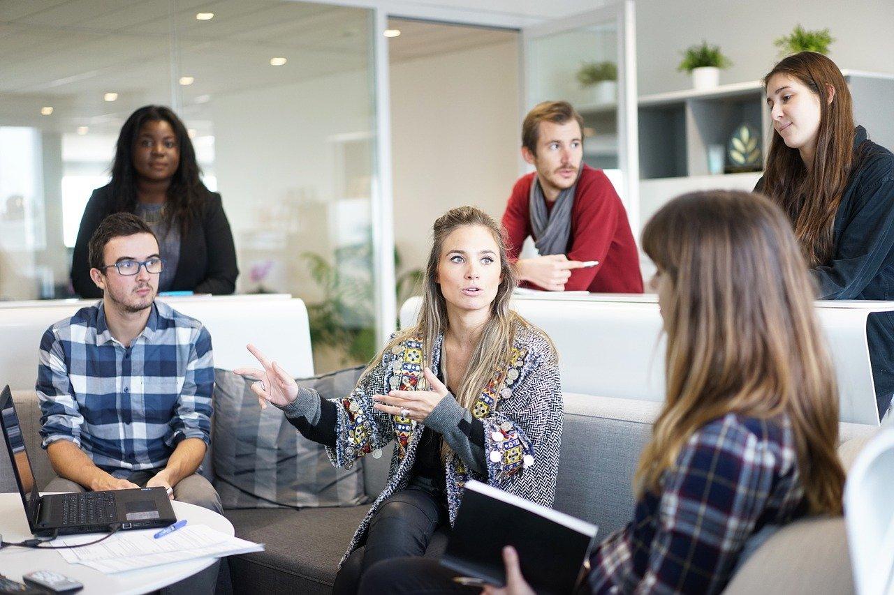 【カジュアルコミュニケーション】経営者と社員のコミュニケーションには「カジュアル」「フォーマル」「インフォーマル」の3ステップがある