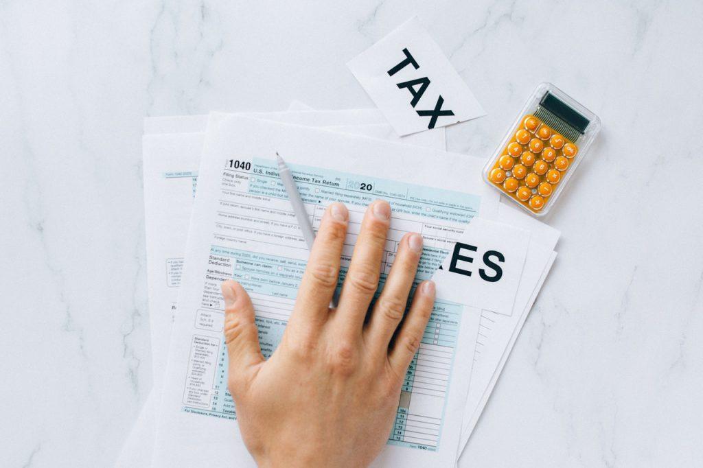 個人事業主は節税意識を持とう。すぐ実践できる経費と控除の活用法