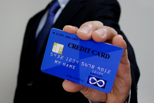 個人事業主がクレジットカードを個人用と事業用で使い分けるべき理由