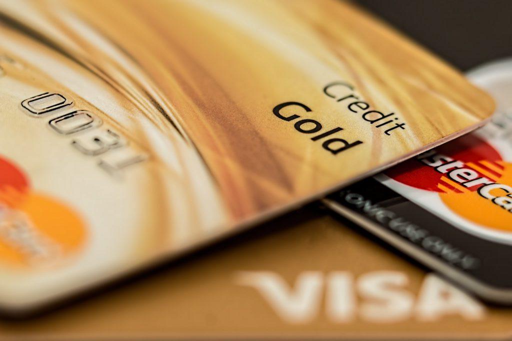 個人事業主は法人用クレジットカードを作ろう