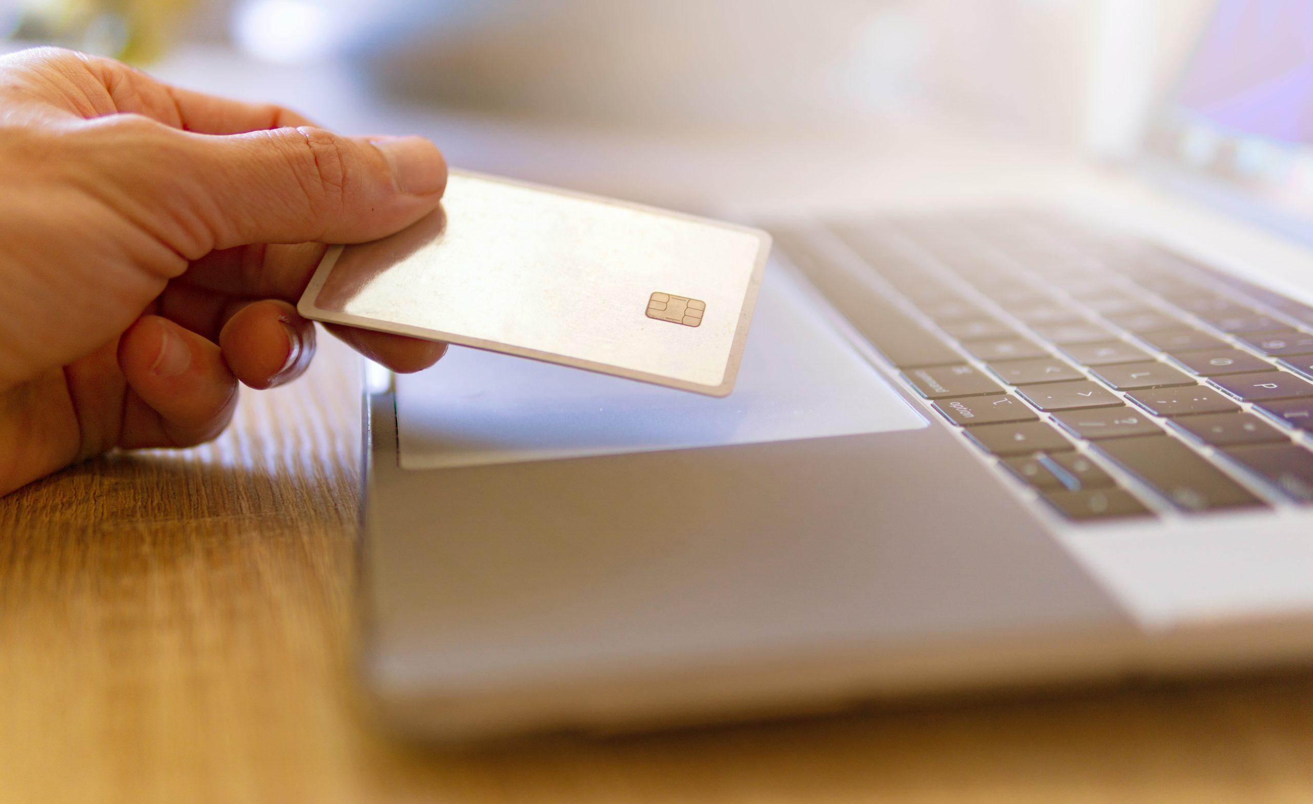 個人事業主向けの法人クレジットカードとは
