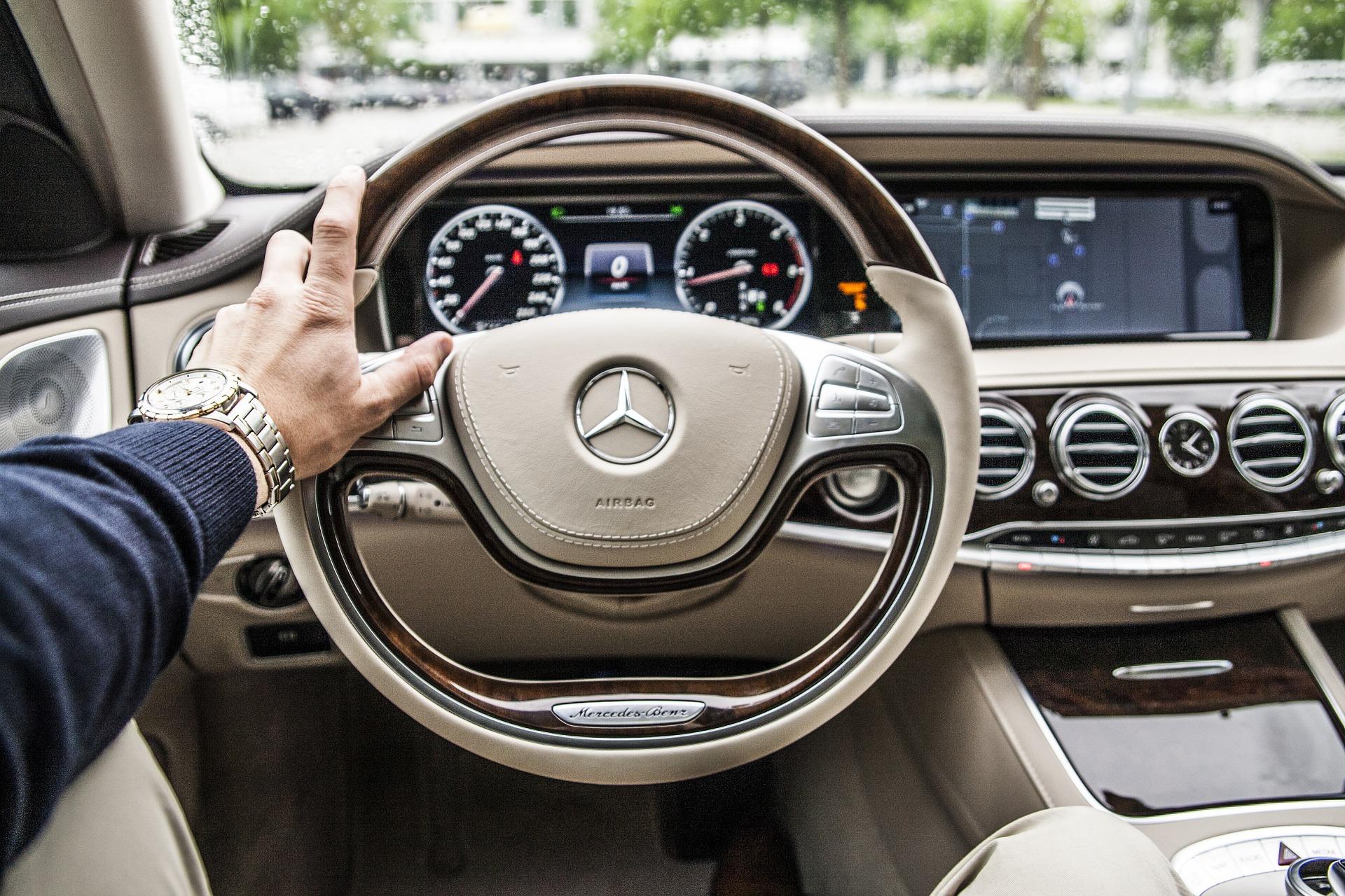 新車・中古車によって経費で落とせる耐用年数が異なる